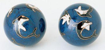 Qigong-Kugelpaar, cloi. Delphin ca. 40 mm