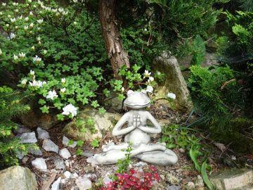 Yoga-Frosch Der Lotus, Steinguss
