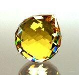 Kristall-Kugel hellgelb